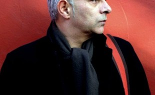 الأب كاتبًا – حنيف قريشي